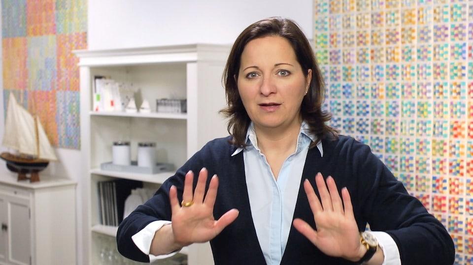 Als Führungskraft ist das eine Ihrer wichtigsten Aufgaben - Der Videoblog von Stefanie Voss