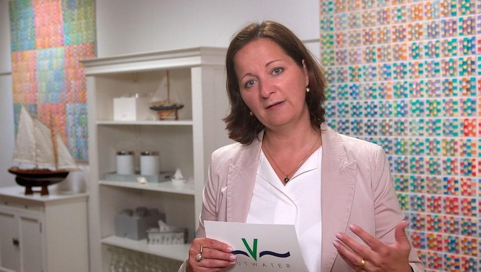 Bei zähen und konfliktreichen Meetings sind diese zwei Einstiegsfragen hilfreich - Der Videoblog von Stefanie Voss