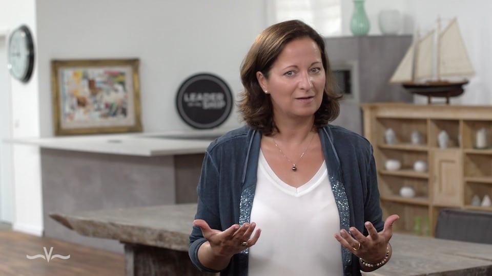 Wie Sie die Arroganz-Falle vermeiden können - Der Videoblog von Stefanie Voss
